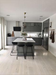 10 Styles Perfect for Your Small Kitchen area #kitchenisland#kitchentable#kitchenchairs#kitchenfaucetslowes#kitchenstore