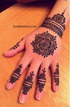 Henna designs for hands - simple mehndi design - Gulabi fashion Circle Mehndi Designs, Round Mehndi Design, Back Hand Mehndi Designs, Finger Henna Designs, Simple Arabic Mehndi Designs, Henna Art Designs, Mehndi Designs For Girls, Mehndi Designs For Beginners, Modern Mehndi Designs