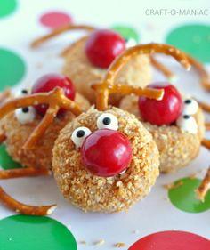 Craft-O-Maniac: Rudolph Donut Wholes. #holidays #treats