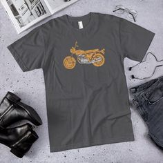 Wonderful photo - browse our story for many more recommendations! Vintage Honda Motorcycles, Honda Cb750, Motorcycle Art, Cool Shirts, Bikers, Mens Tops, Etsy, Design