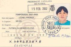 El primer carnet de jugador del FC Barcelona de Lionel Messi. Todo un documento.