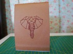 encadernação artesanal, encadernação manual,elefante, bordado, embroeidery, artesanato, caderninho, moleskine, caderneta, bloco de notas, https://www.facebook.com/noarteloja/