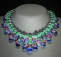 Cartier Tutti Fruiti necklace owned by Daisy Fellowes. - Cartier Tutti Fruiti necklace owned by Daisy Fellowes. Cartier Tutti Fruiti necklace owned by Daisy Fellowes. Cartier Jewelry, Gems Jewelry, Art Deco Jewelry, High Jewelry, I Love Jewelry, Gemstone Jewelry, Vintage Jewelry, Jewelry Design, Cartier Necklace