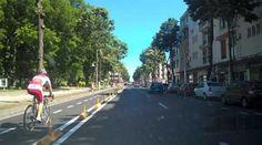 Noile drumuri care vor fi construite în România vor avea piste pentru biciclete, iar pe cele actuale se vor construi, a anunțat, joi, ministrul Fondurilor Europene, Cristian Ghinea