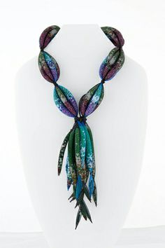 From the Congo to Paris Emmanuel Kasongo's art jewelry - mesh filled with loose beads