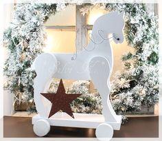 Dekoholzpferd, Weihnachten, Handarbeit aus Holz, Silvi K.