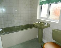 That Avocado bathroom suite that every home seemed to have.