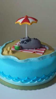 Love this gorgeous Pusheen birthday cake from