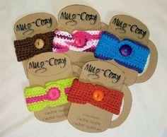 Dar's Mug Cozy – Crochet Uncut - Herzlich willkommen Crochet Cup Cozy, Free Crochet, Knit Crochet, Crochet Hats, Foundation Single Crochet, Mug Cozy, Ravelry, Crochet Patterns, Mugs