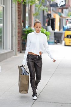 Nicole Richie looking chic as ever