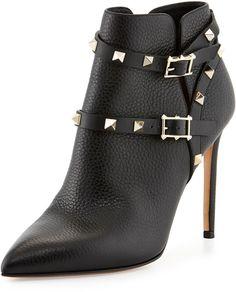 €1,257, Bottines en cuir à clous noires Valentino. De Neiman Marcus. Cliquez ici pour plus d'informations: https://lookastic.com/women/shop_items/78532/redirect