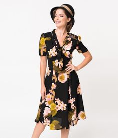 Find the pin-up, menswear and patriotic looks of fashion at Unique Vintage, including fabulous shoes, gloves and more to step out in style, darling! 40s Outfits, Modern Outfits, Fashion Outfits, Swing Dress, I Dress, Wrap Dress, 1940s Fashion, Vintage Fashion, 1940s Vintage Dresses