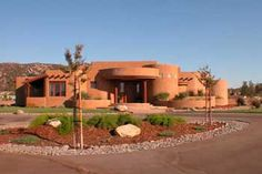 Pictures of santa fe style homes. Pictures of santa fe style homes. Exterior House Colors, Exterior Design, New Mexico Homes, Mud House, Village House Design, Adobe House, Santa Fe Style, Spanish Style Homes, Earth Homes
