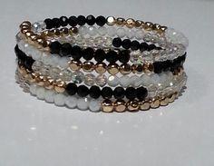 Black and Gold! Jewelry Ideas, Diy Jewelry, Beaded Jewelry, Handmade Jewelry, Jewelry Design, Jewelry Making, Wire Wrapped Bracelet, Diy Bracelet, Strand Bracelet