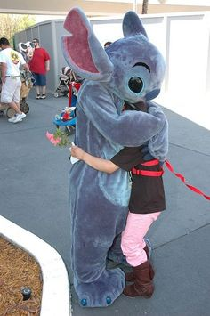 Child-to-Adult Safety Harness from Childharness.ca gets a hug at Disney.