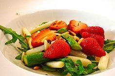 Spargel - Erdbeer - Salat, ein gutes Rezept aus der Kategorie Frühling. Bewertungen: 157. Durchschnitt: Ø 4,6.