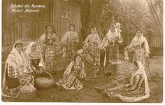 Traditional Romanian Folk Costume from Southern Romania, an area called Muscel, county of Arges. Old Photos, Vintage Photos, Folk Costume, Costumes, Native Country, City People, Vintage Photography, My Childhood, Romania