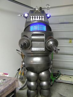 Robby the robot, Forbidden Planet costume Robby The Robot, Steampunk Robots, Robot Costumes, Back To The Future, Planets, Characters, Cosplay, Cook, Google Search