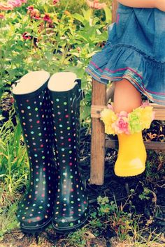 I got these in black and white. I love rubber boots... reminds me of being a kid!