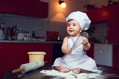 Monthly Baby Photos, Newborn Baby Photos, Baby Poses, Baby Outfits Newborn, Baby Girl Newborn, Half Birthday Baby, Baby Cooking, Baby Boy Pictures, Foto Baby
