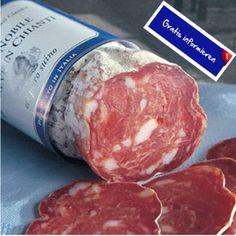 Diese edle Salami wird noch in echter Handarbeit hergestellt! Hier klicken: http://blogde.rohinie.com/2013/01/wurst/ #Italien #Toskana #Salami #Schweinefleisch