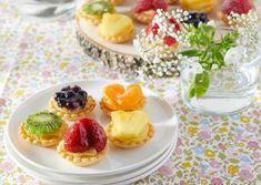 Moule Mini Tartelette, Dessert Chef, Thing 1, Mini Muffins, Fruit Salad, Panna Cotta, Pudding, Ethnic Recipes, Tourbillons