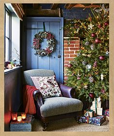❄ ❅ Christmas ❅ ❄ Panelled cushion made with easy steps by Country Homes and Interiors Blog