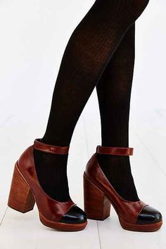 Simple heels for autumn. Great for tights or jeans.