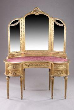 1787: LOUIS XVI STYLE GILT-WOOD KIDNEY-SHAPED DRESSING : Lot 1787