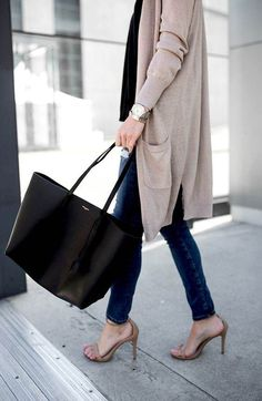 The Best Designer Work Bags to Invest In - FROM LUXE WITH LOVE - Saint Laurent Shopper Tote Bag street style outfit / Designer work bag / street style fashion / wor - Fashion Mode, Street Fashion, Fashion Outfits, Fashion Week, Fashion Clothes, Men Fashion, Fashion Brands, Saint Laurent Tote, Best Designer Bags
