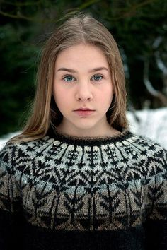 Ravelry: Veðurfræðingurinn - weatherman pattern by G. Fair Isle Knitting, Knitting Kits, Knitting Patterns Free, Knit Patterns, Free Knitting, Icelandic Sweaters, Knit In The Round, How To Purl Knit, Yarn Shop