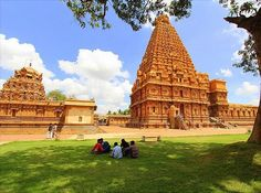 #bigtemple#tanjavur#unesco#World#heritagesite#tamilnadu#incredibleindia. A prominent temple as well as must see destination of EnchantingTamilnaduindia1$=651=1021=76#Travellers#travel4 less explore more now! from  #culturaltourism#historyofcholaperiod#globe_travel#globetrotters#indiatravelgram #travelphotography#wanderers  #naturephotography#instanaturelover#natureaddicts  #photoofthedays#storiesofindia. #backpackers Peruvudaiyar Kovil which is also famous as Brihadeeswarar Temple…