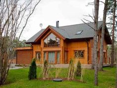 Spaciousness, commodiousness, functionality and style are all keywords appropriate for characterizing the Juno. Carefully considered layout of rooms in Style At Home, House Outside Design, Lake Cabins, Log Homes, House Plans, Sweet Home, Shed, Cottage, Exterior