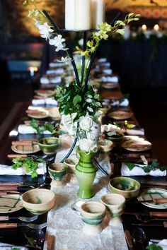Medieval wedding table at a traditional Irish wedding. Viking Wedding, Renaissance Wedding, Celtic Wedding, Irish Wedding, Red Wedding, Wedding Table, Gothic Wedding, Wedding Games, Wedding Planning