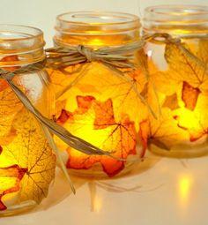 smukke lysestager med efterårsblade