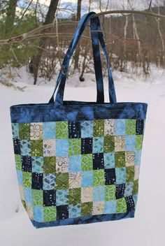 Patchwork Tote Bag PATTERN, Strip and Scrap friendly, Streak of Lightening image 0 Quilted Tote Bags, Patchwork Bags, Patchwork Patterns, Crazy Patchwork, Patchwork Designs, Purse Patterns, Diy Quilted Purse, Sewing Patterns, Bag Pattern Free