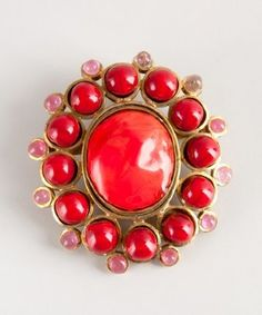 Chanel : coral beaded vintage pin. WANT.