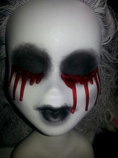 scary halloween doll, or make-up Halloween Fright Night, Creepy Halloween Props, Creepy Carnival, Halloween Carnival, Halloween Doll, Diy Halloween Decorations, Holidays Halloween, Halloween Crafts, Halloween Makeup