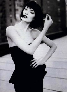 Shalom Harlow by Patrick Demarchelier for Harper's Bazaar January 1995 -how I remember supermodels Patrick Demarchelier, Shalom Harlow, Top Models, Women Models, Runway Models, White Fashion, French Fashion, Vintage Fashion, Glamour