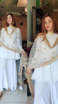 Asian Wedding Dress Pakistani, Pakistani Fashion Party Wear, Pakistani Dresses Casual, Indian Bridal Wear, Indian Wedding Outfits, Bollywood Fashion, Indian Outfits, Indian Fashion, Shadi Dresses