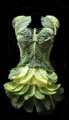 Wearable and edible.wouldnt advise both at the same time! Floral Fashion, Fashion Art, Fashion Design, Dress Fashion, Dress Form, Dress Up, Recycled Fashion, Flower Dresses, Shades Of Green