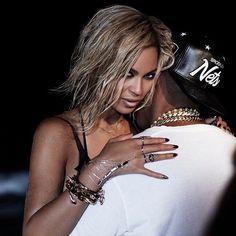 Beyoncé Ft. Jay Z - Drunk In Love Music Video