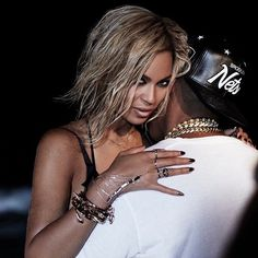 Beyoncé Ft. Jay Z - Drunk In Love Music Video