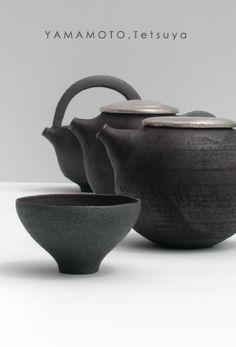 Tetsuya Yamamoto - Teapots and Cup #pottery #Japanese_pottery #ceramics…