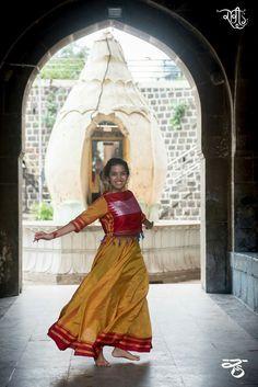 Ghagra Saree, Saree Gown, Sari Dress, Sarees, Anarkali Dress, Kurta Patterns, Dress Patterns, Indian Dresses, Indian Outfits