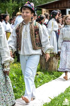 Traditional Costume from Salaj #RomaniaTraditional #FolkArt