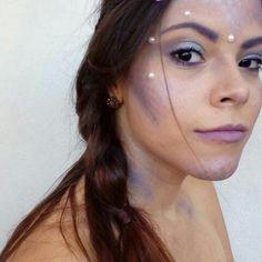 17 Best Mermaid Makeup Ideas and Tips for Halloween 2020   Glamour Halloween Eye Makeup, Maquillage Halloween, Mermaid Float, Coachella Hair, Festival Makeup Glitter, Nail Effects, Makeup Guide, Blue Eyeshadow, Mermaid Makeup