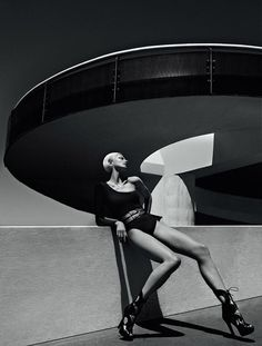 """VOGUE BRAZIL: Ana Claudia Michels in """"50 Shades of Grey"""" by Photographer Zee Nunes"""