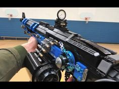 Anotehr ZaziNombies creation - Here is a lego replica of the Destiny weapon Thunderlord.