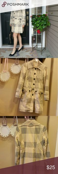 Anthropologie Tulle cream & plaid coat Retro-looking plaid light weight trench coat. Definitely a three season coat and can be worn to work, play or dressy dinner out. One small flaw on the right side hem (see picture). Anthropologie Jackets & Coats